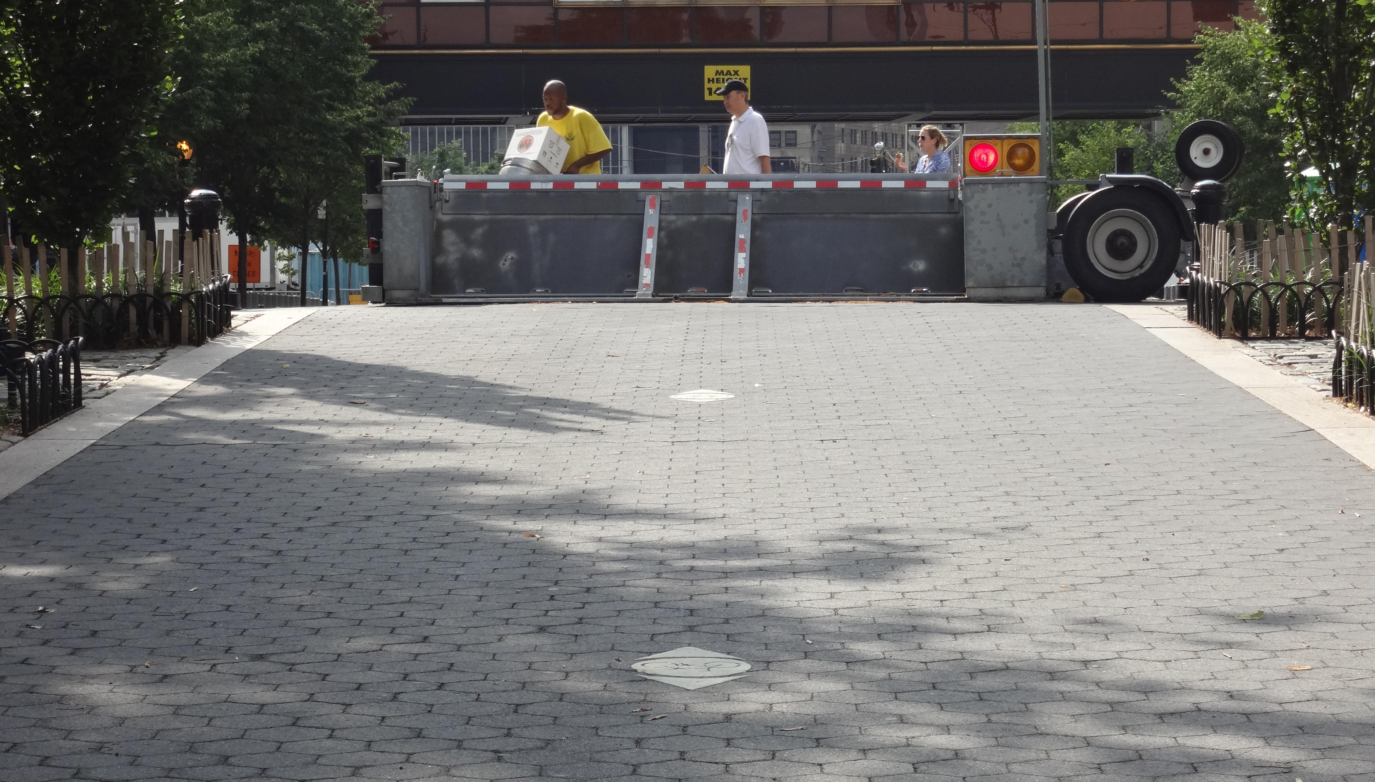 Ovstruction on bike path