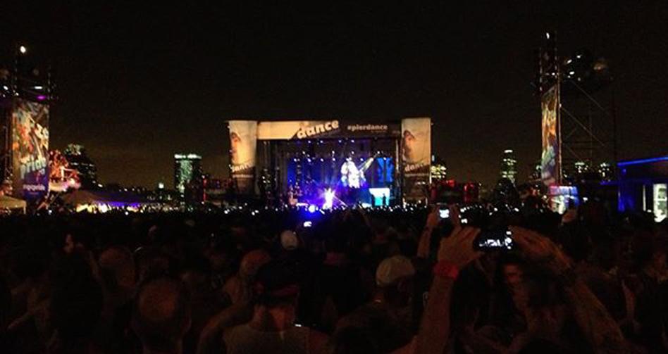 Cher on Pier 26