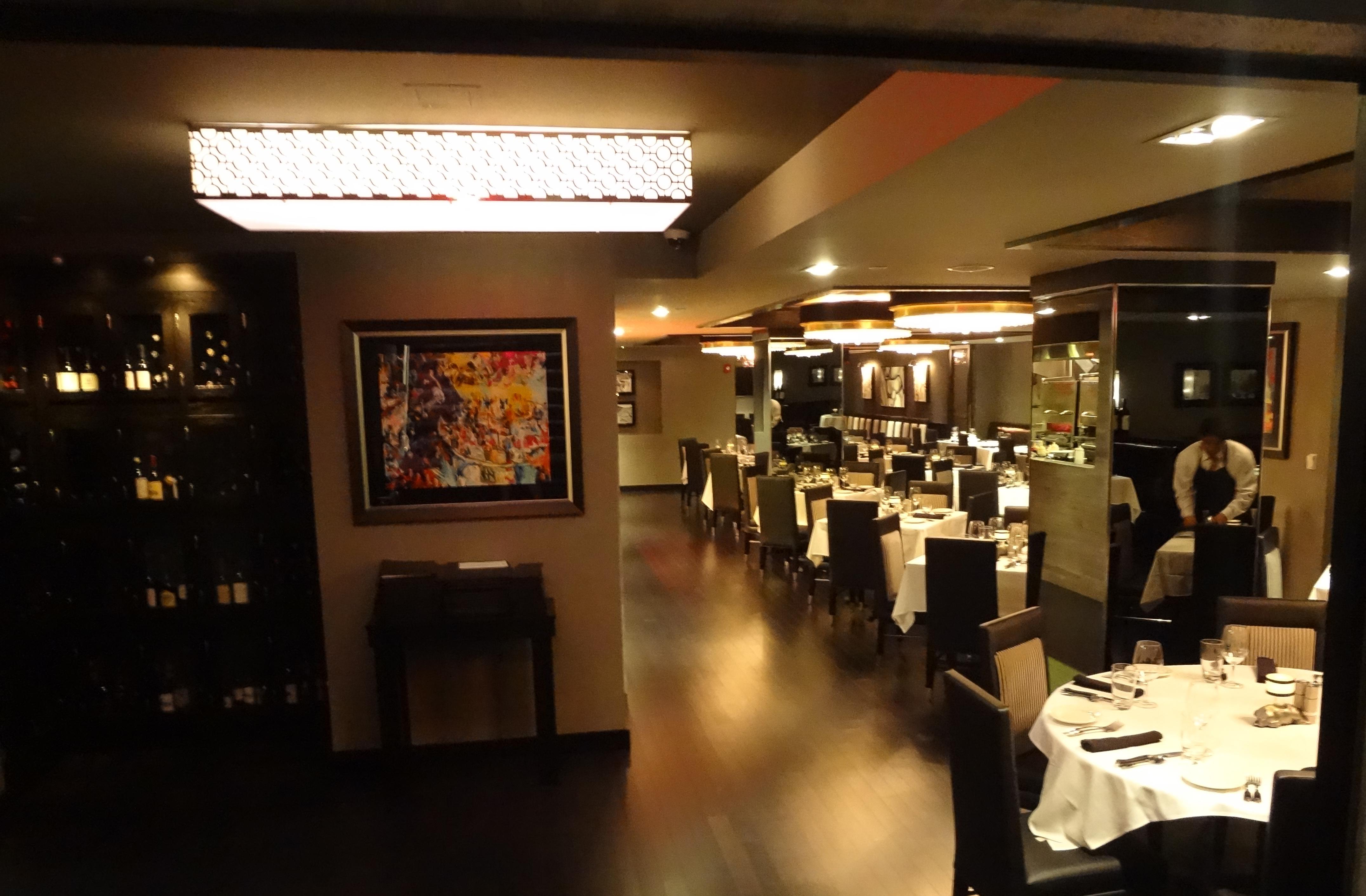 Mortons dining room