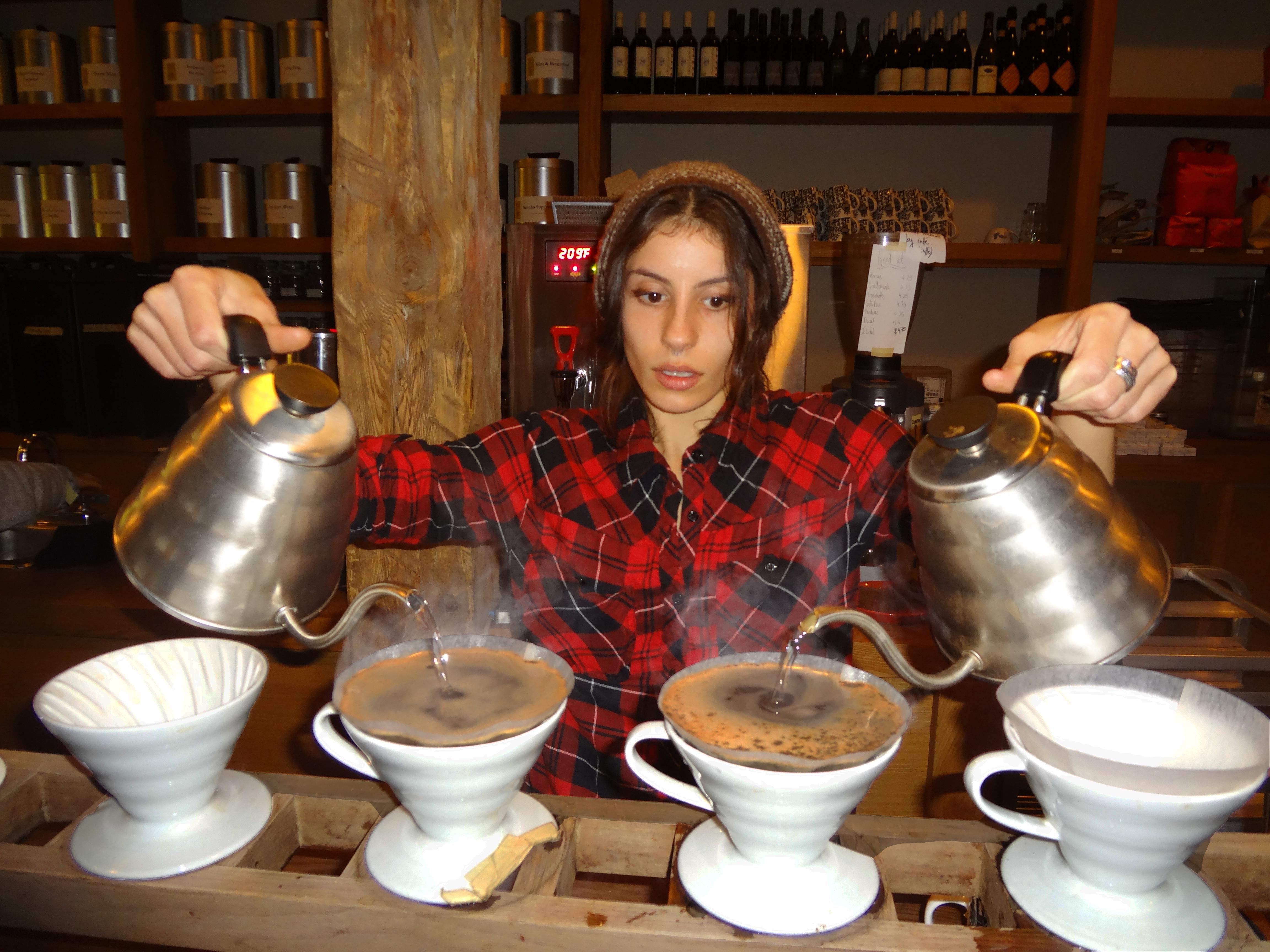 Kaffe 1668 pour over lady