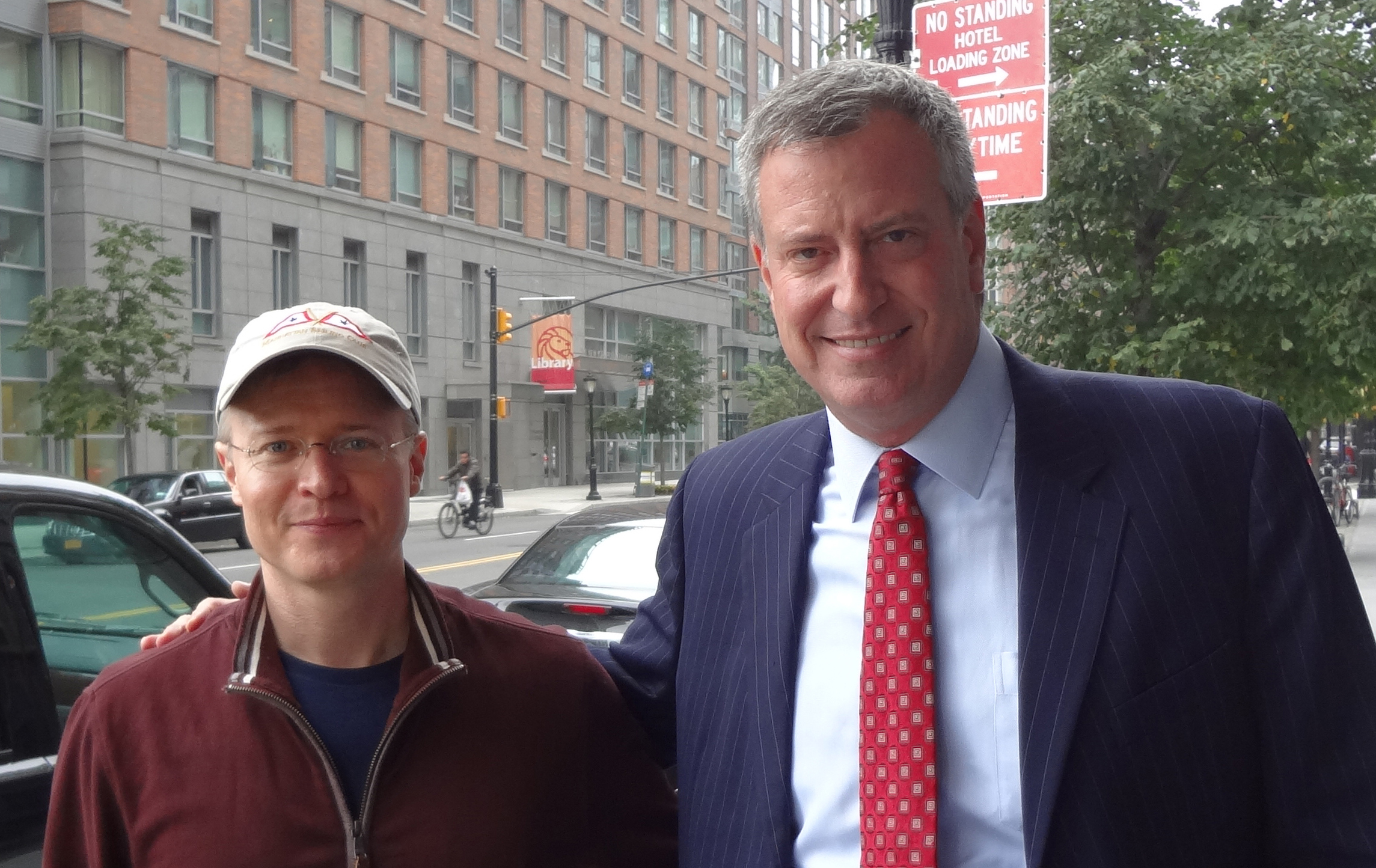 Bill-de-Blasio-and-Steven-E-Greer-MD-cropped