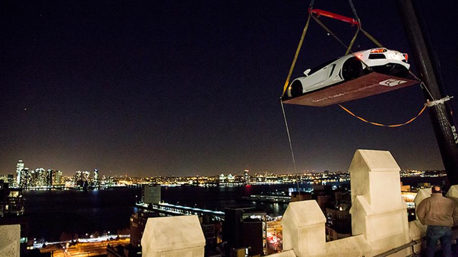 Lamborghini hoist