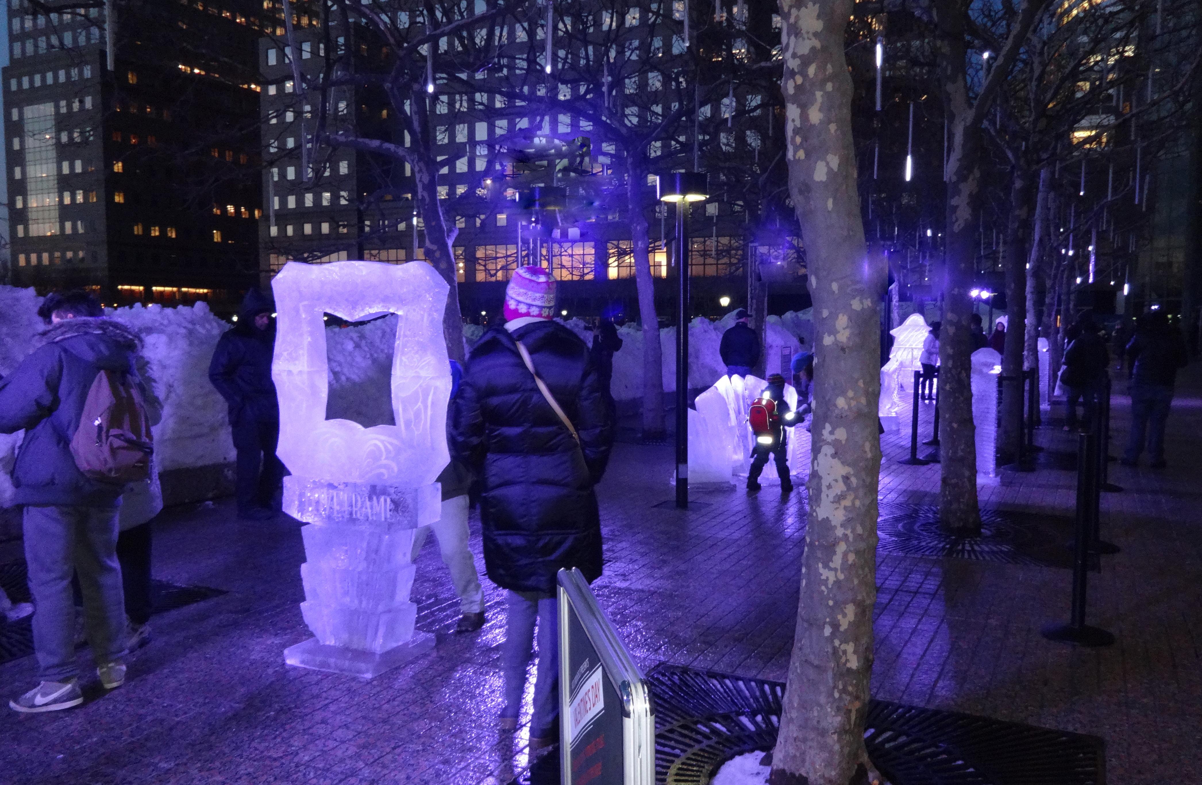 ice display wide