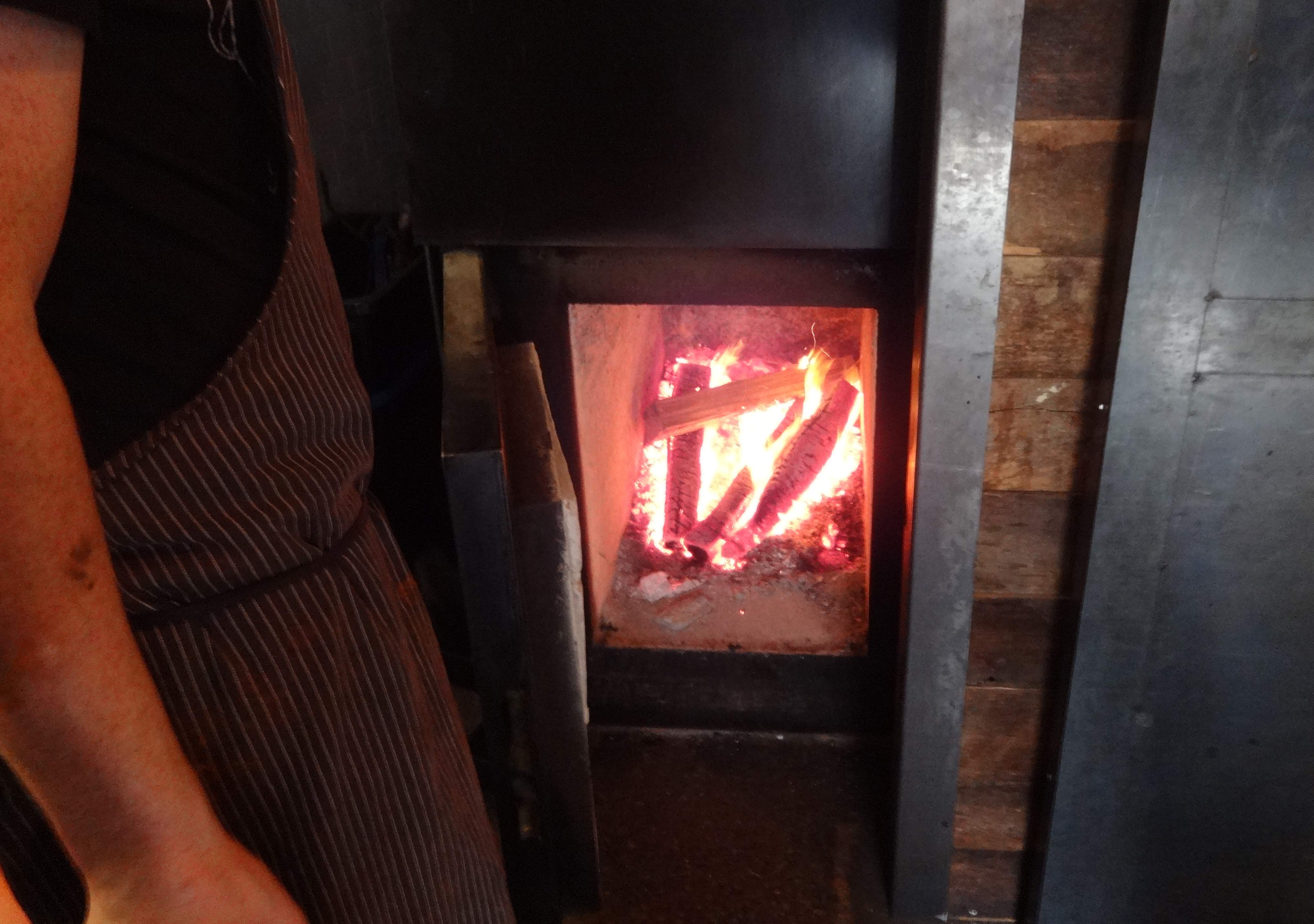 Wood in oven Mighty Quinns