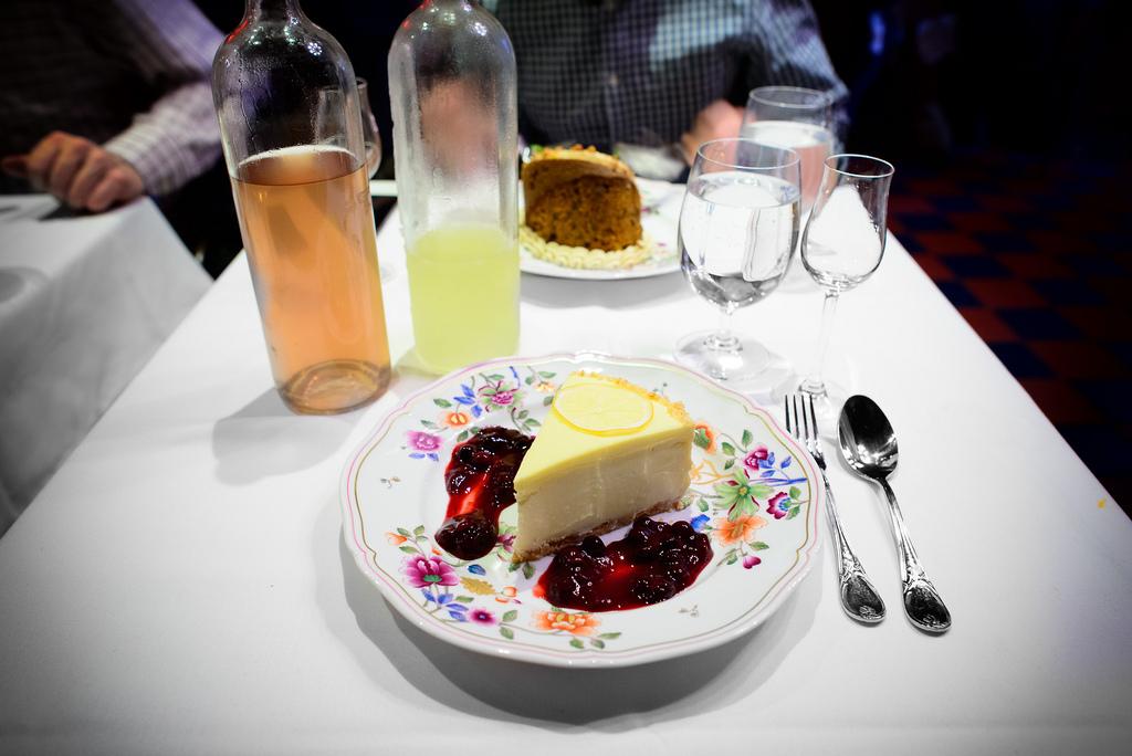 lemon-cheesecake-slice-19