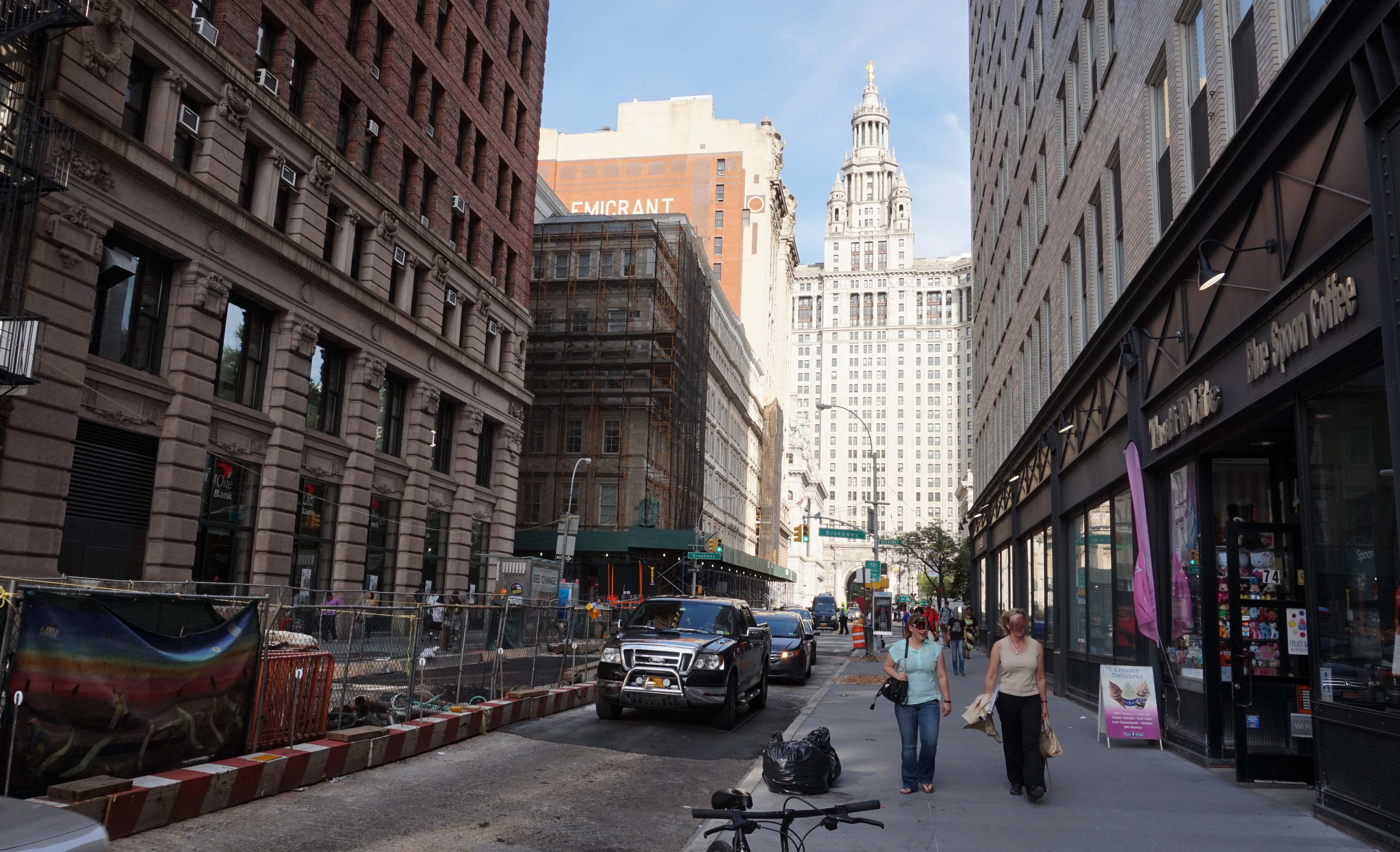Chambers toward City Hall low