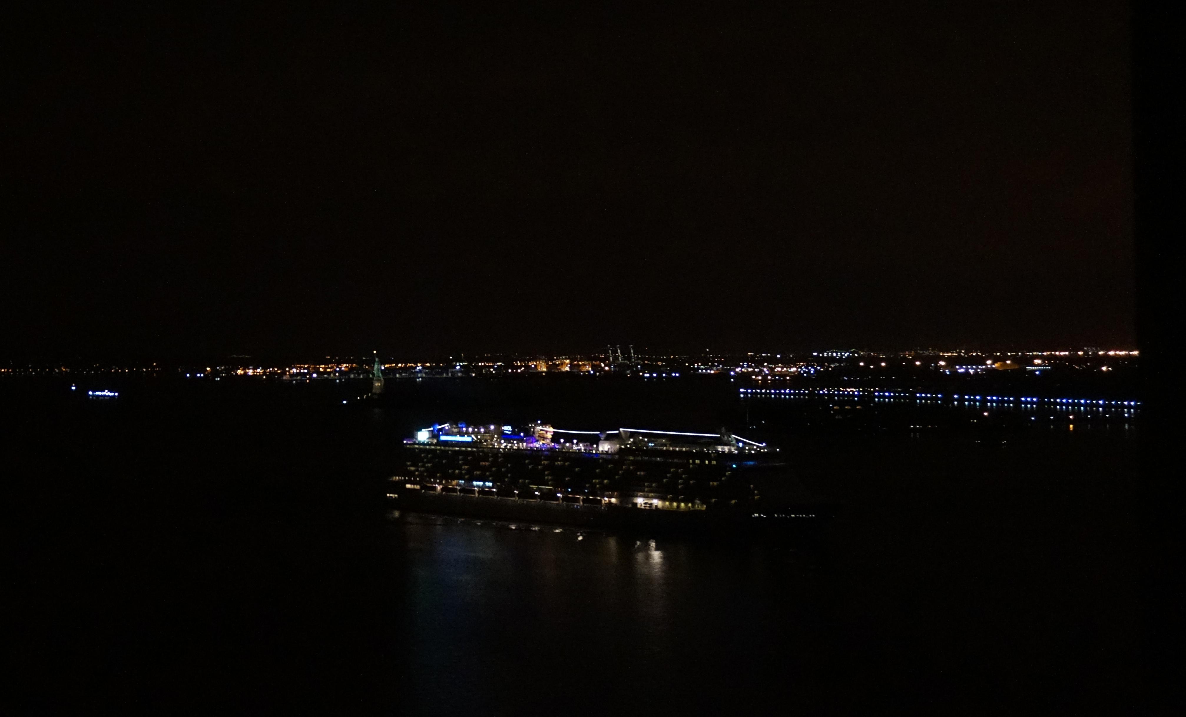 Cruise ship entiering port 8-31-2014