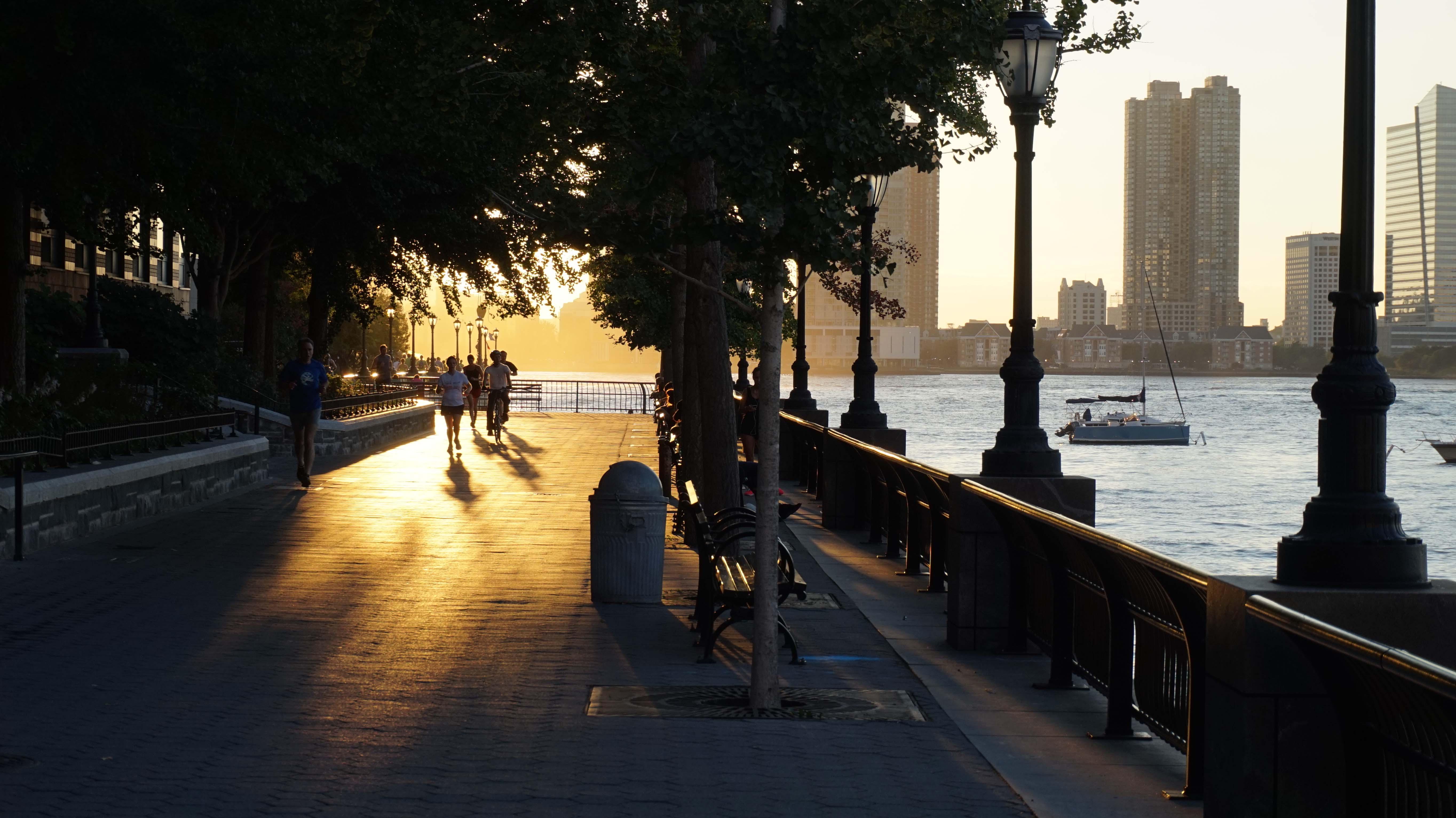 Sun-and-esplanade-low