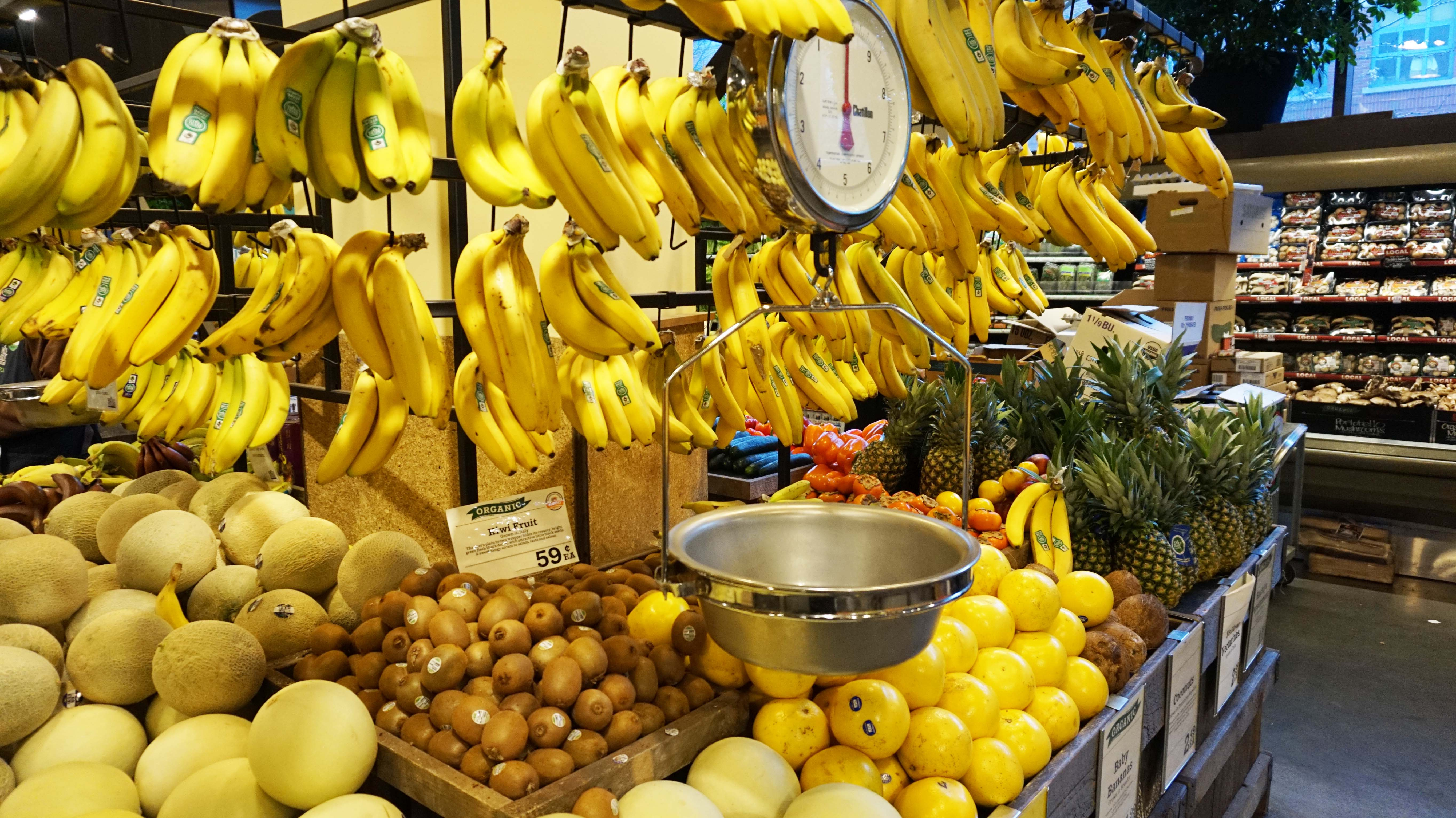 Whole-Foods-banana-stand