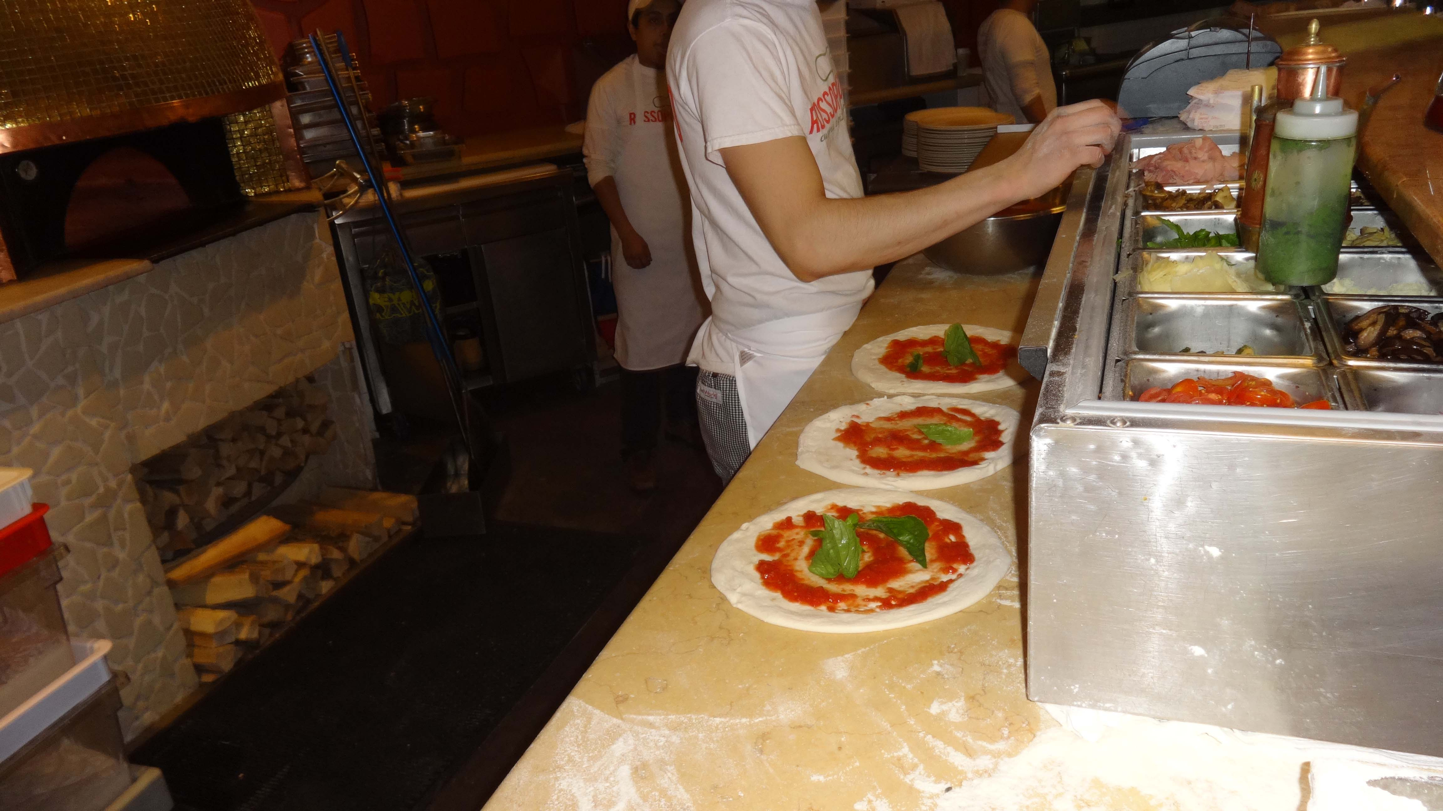 Eataly pizza being made