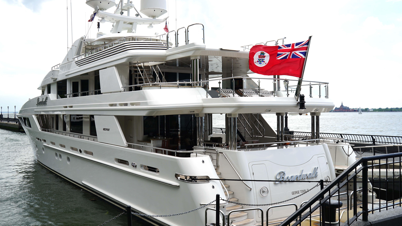 Baordwalk yacht port