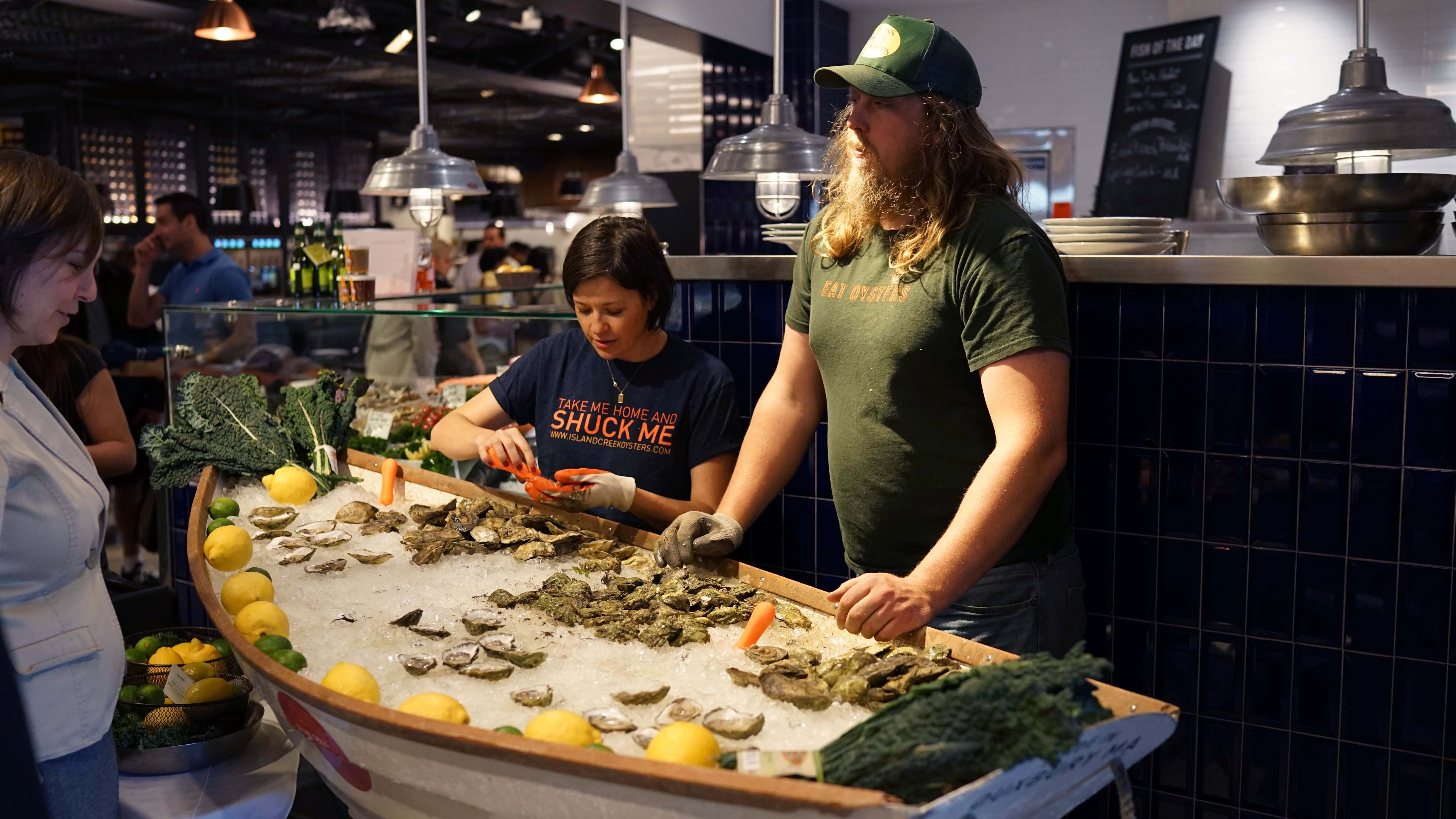 Le District Island Creek Oysters close