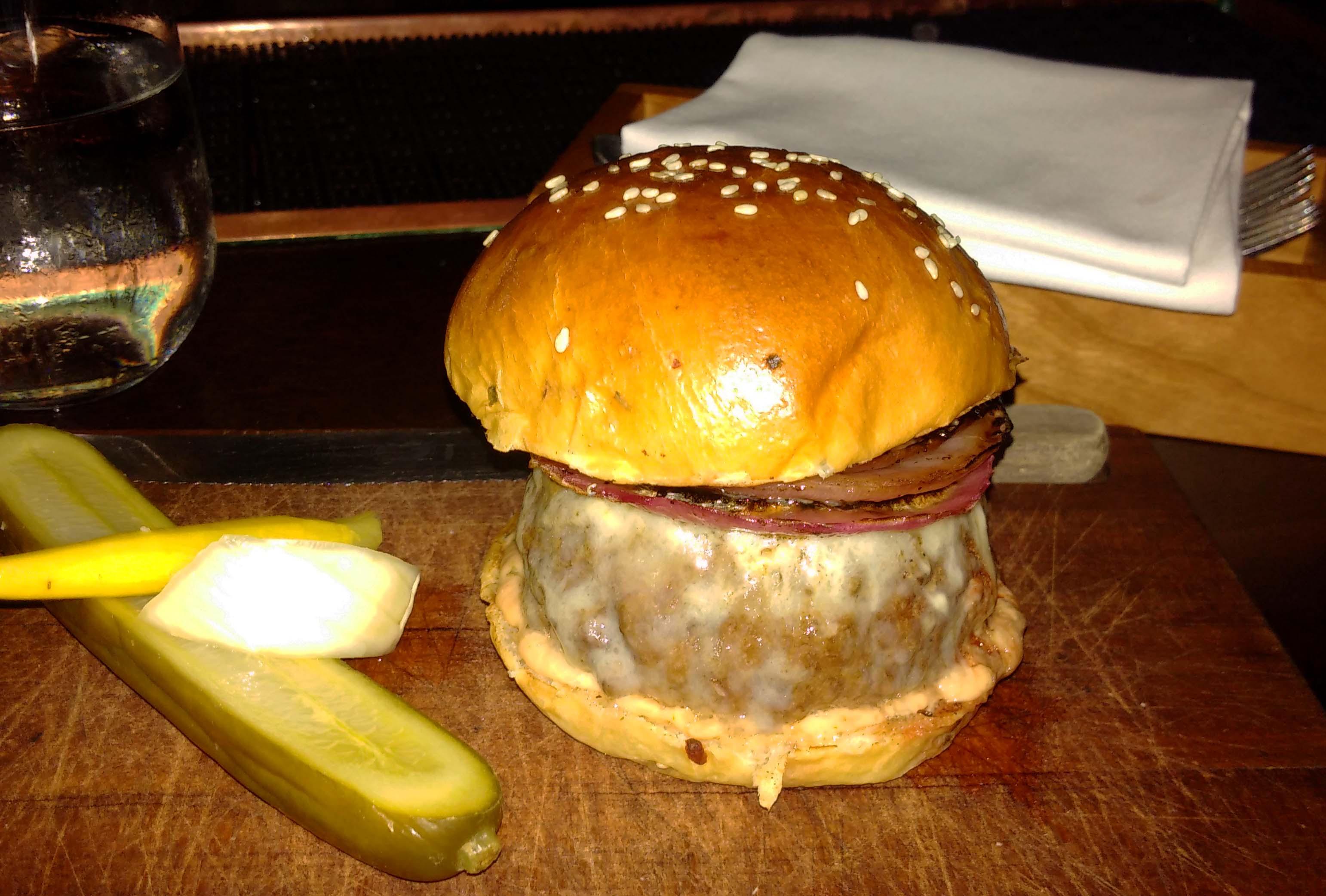 Nomad cheeseburger