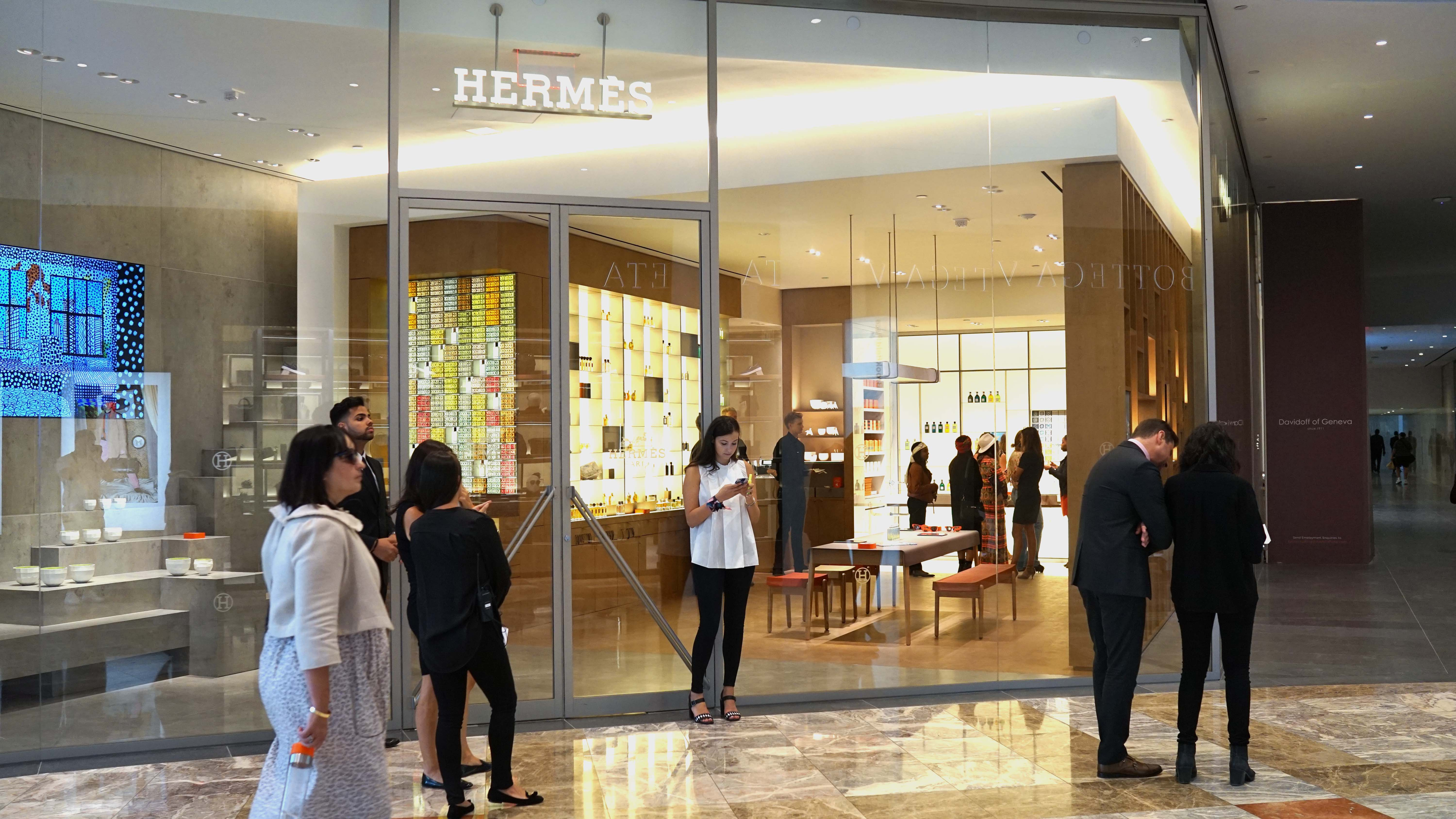 first look hermès fragrance store in brookfield place