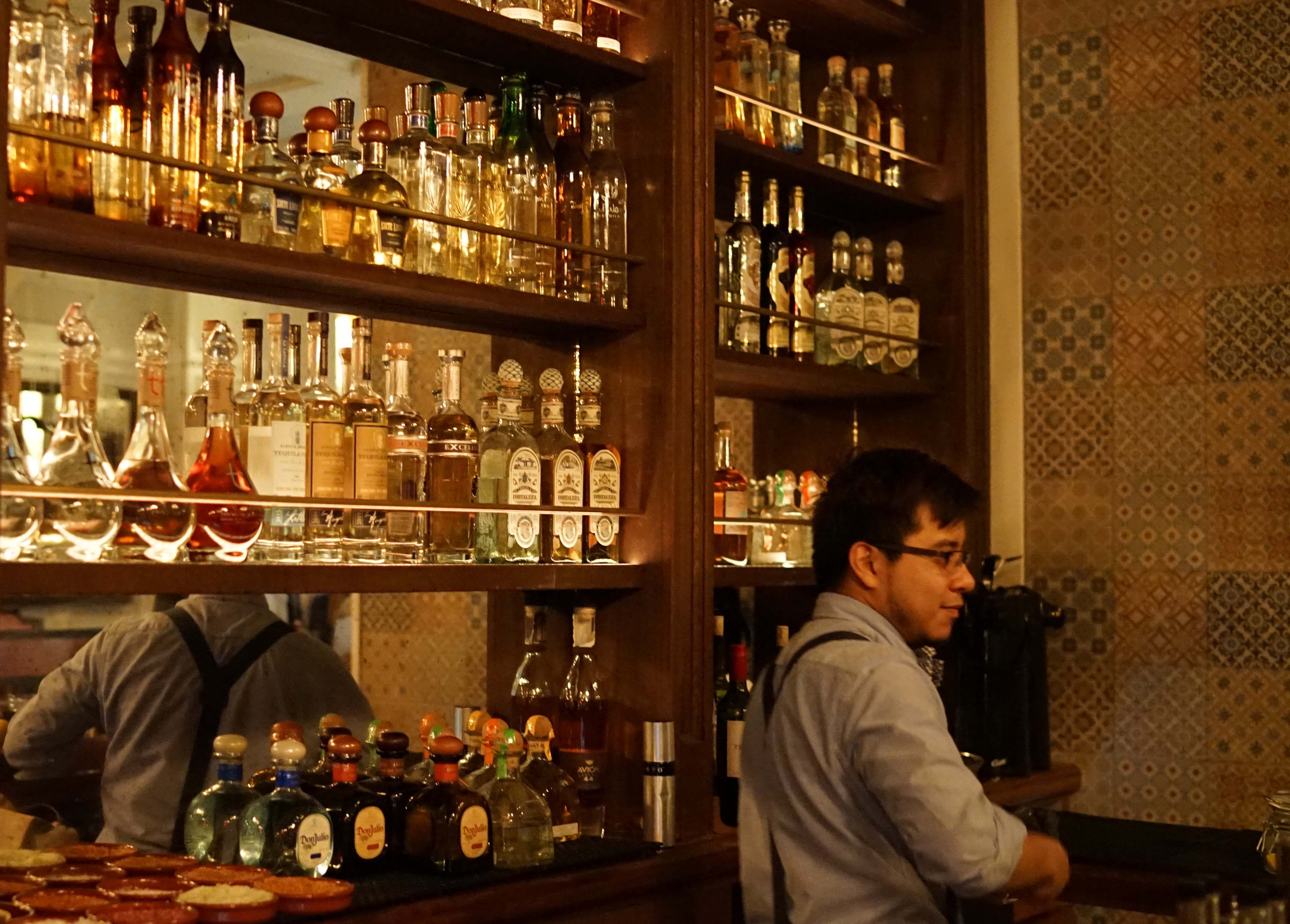 Rosa mexicano tequila bar