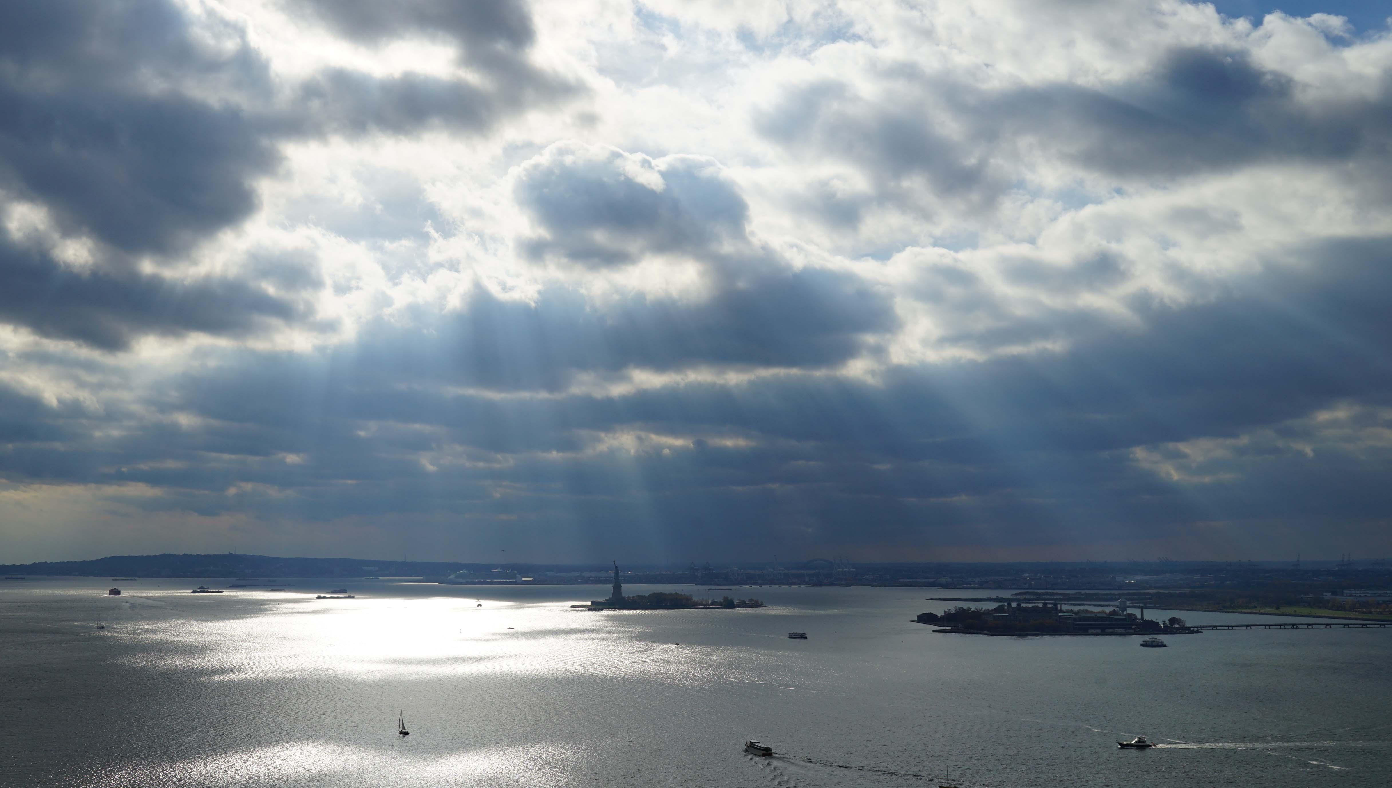 Sunburst over Hudson 11-1-2015