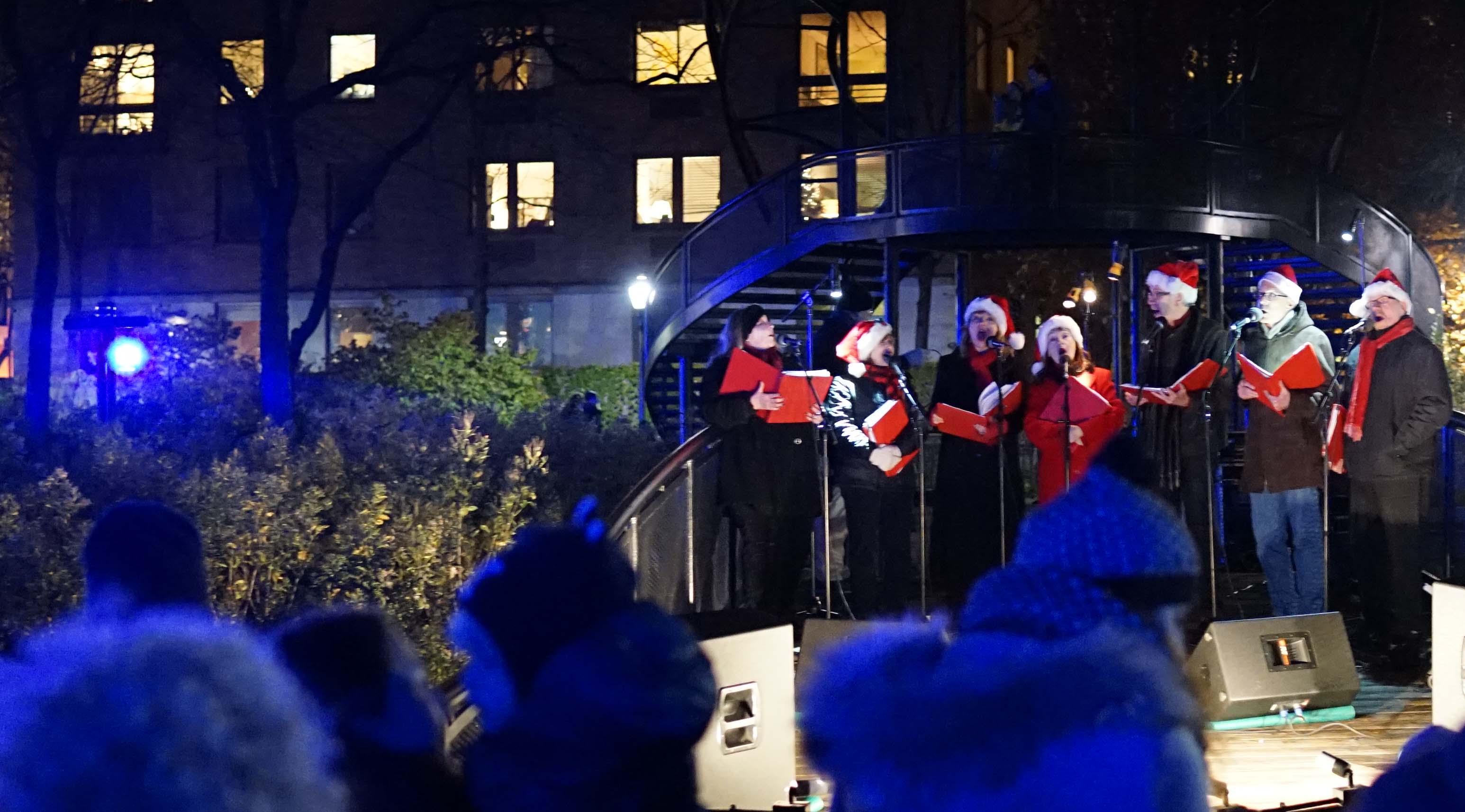 Christmas Carolers 2015