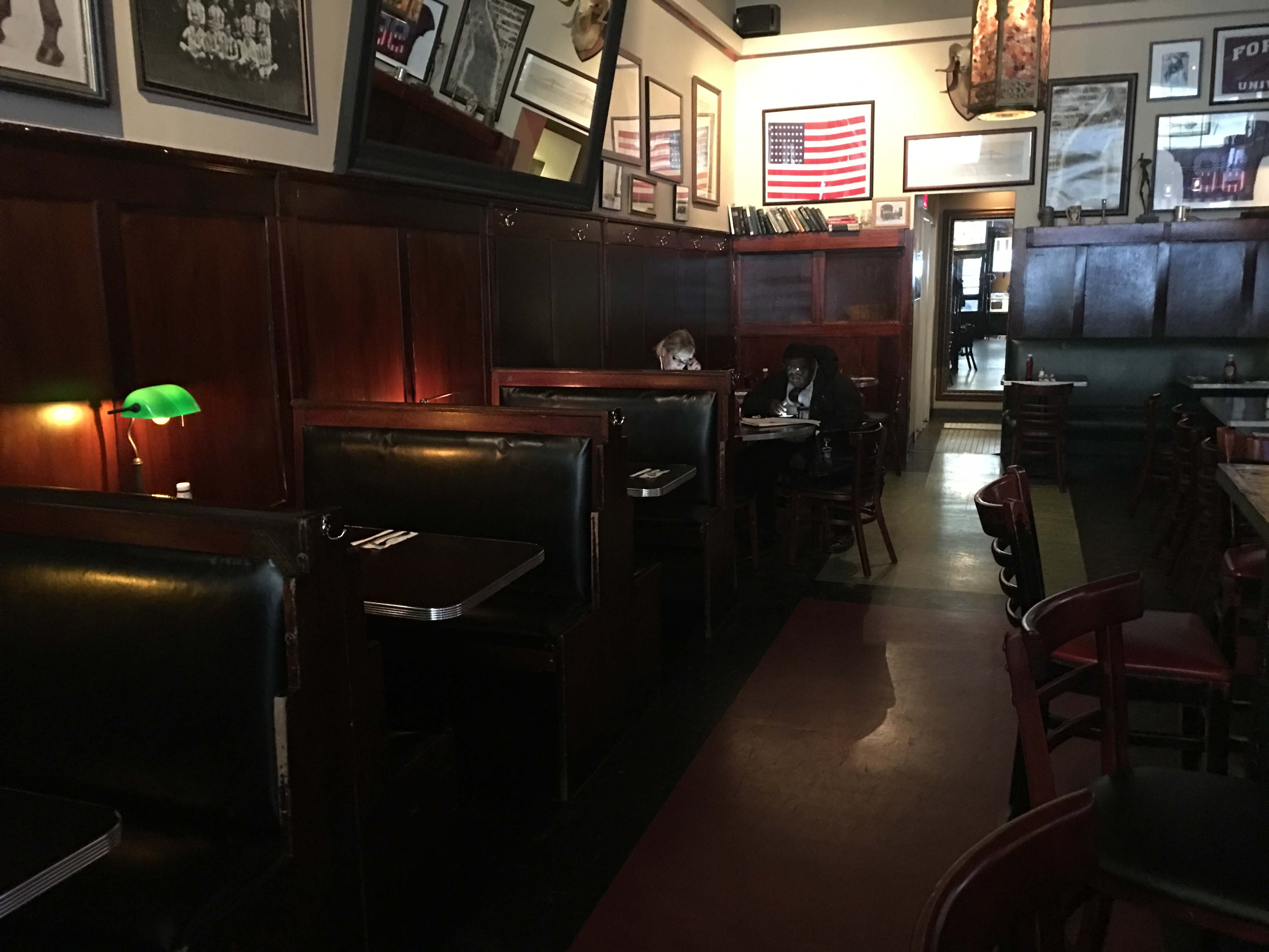 Maxwells booths