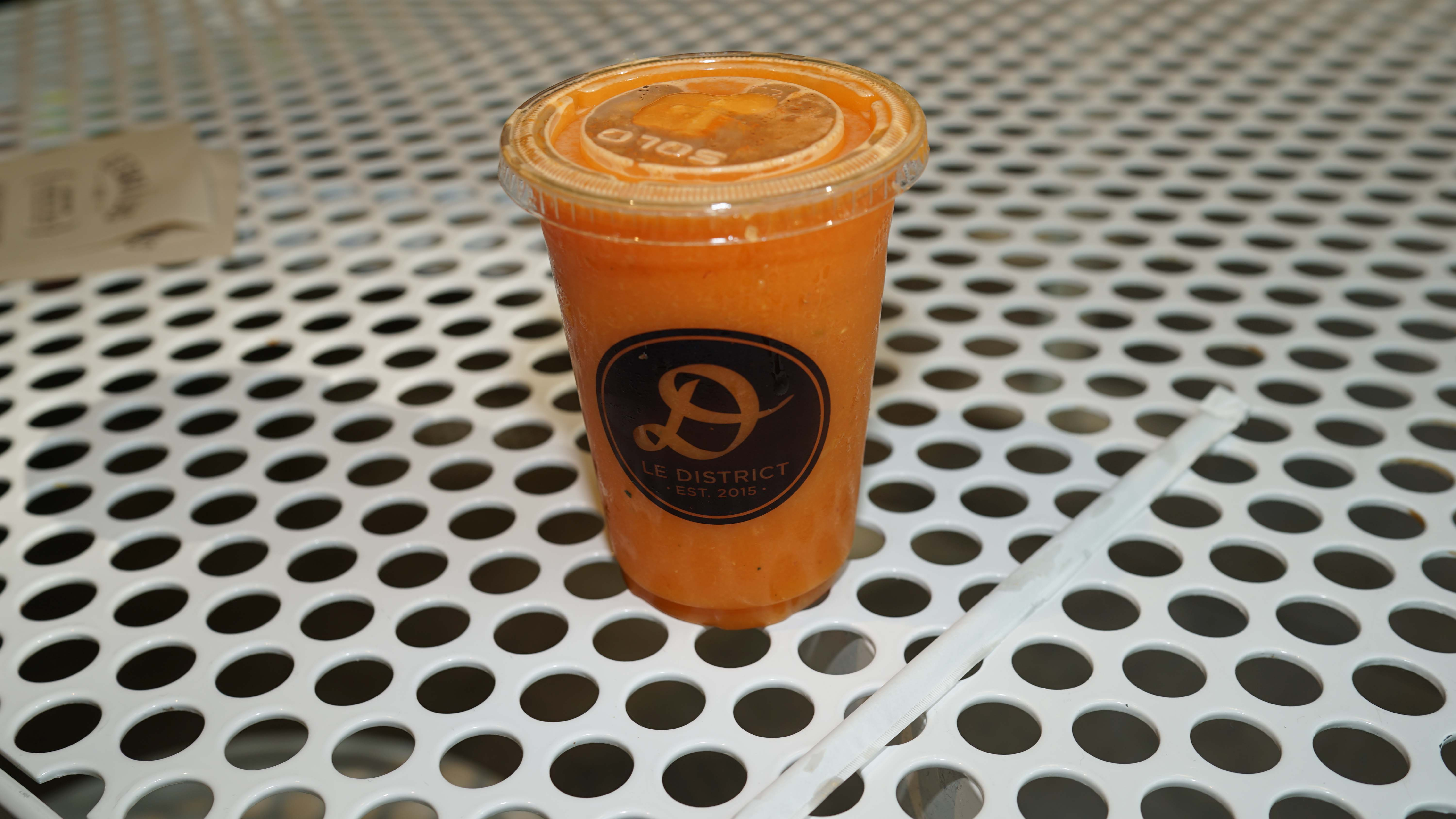 Le District carrot juice