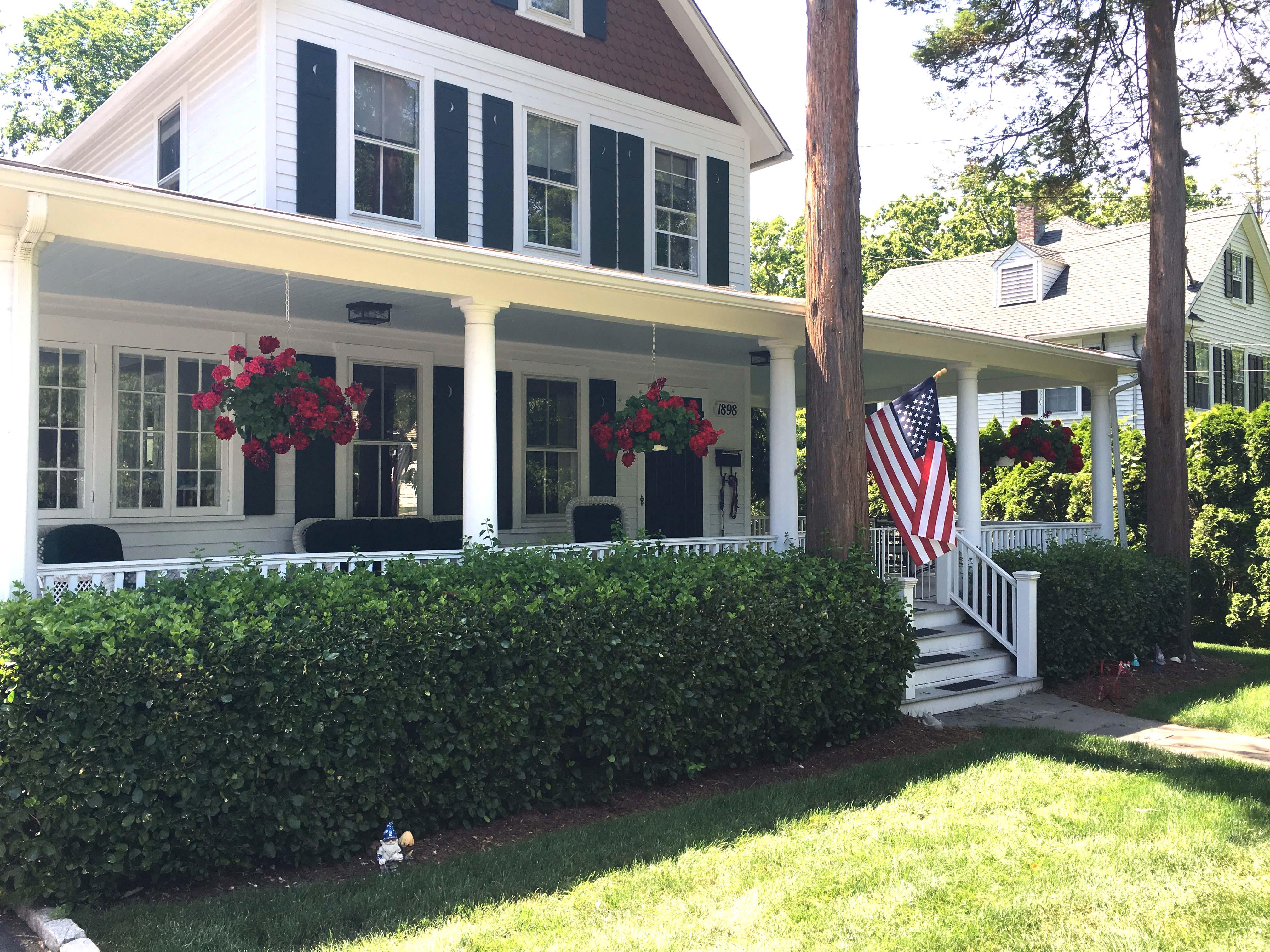 house w american flag laddins rock old greenwich