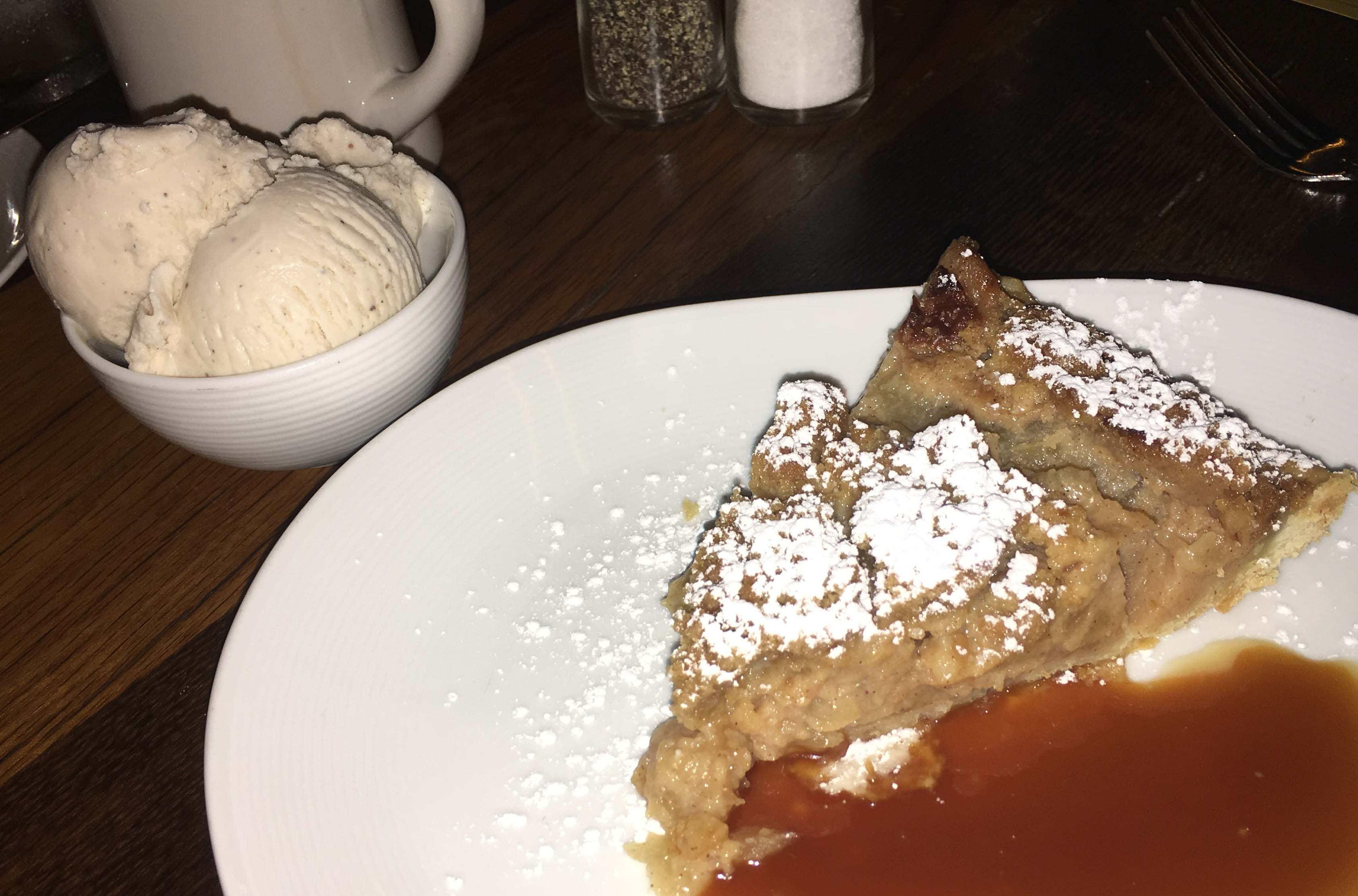 The Pearl Dutch apple pie ala mode