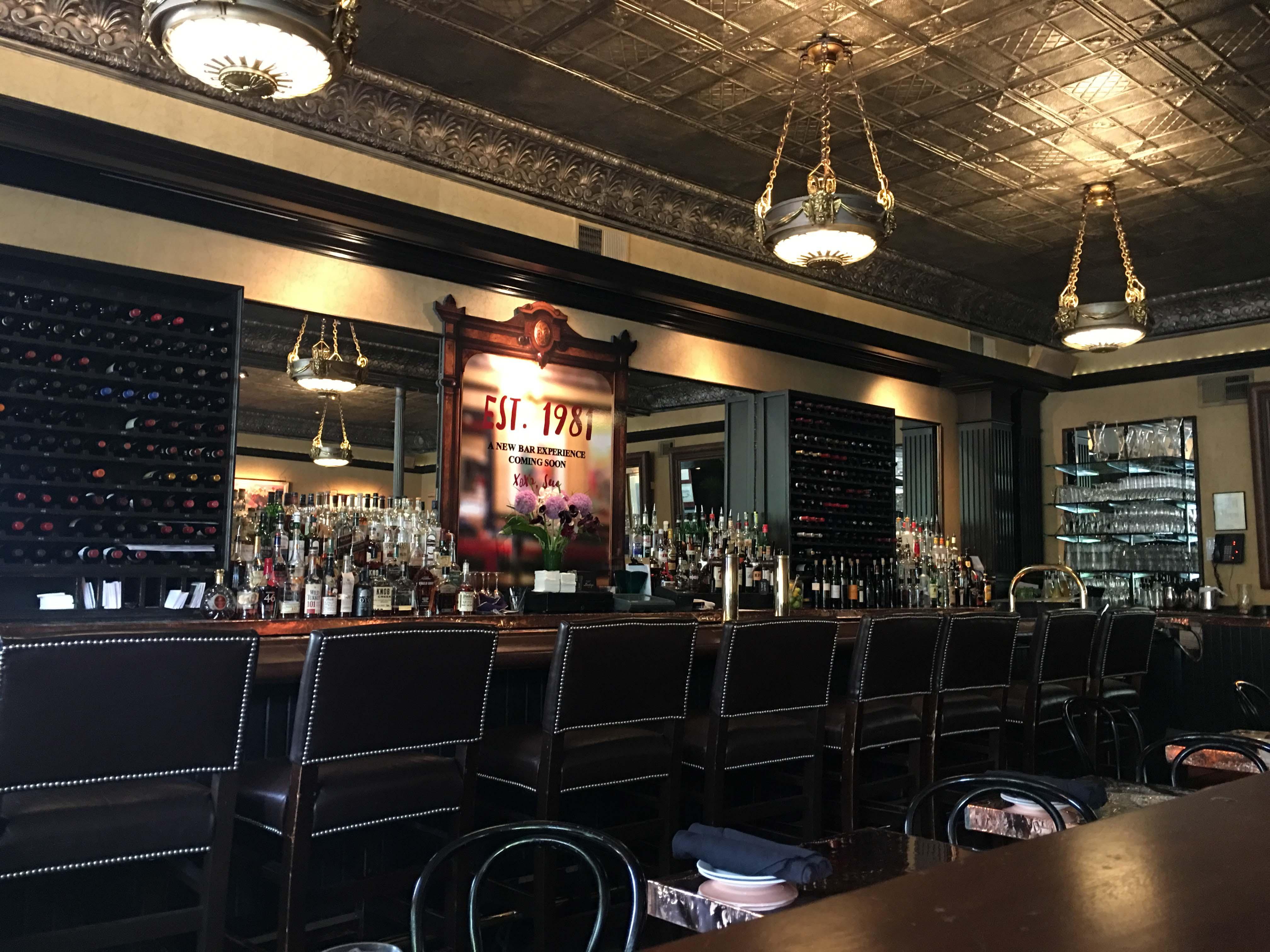Lindeys bar