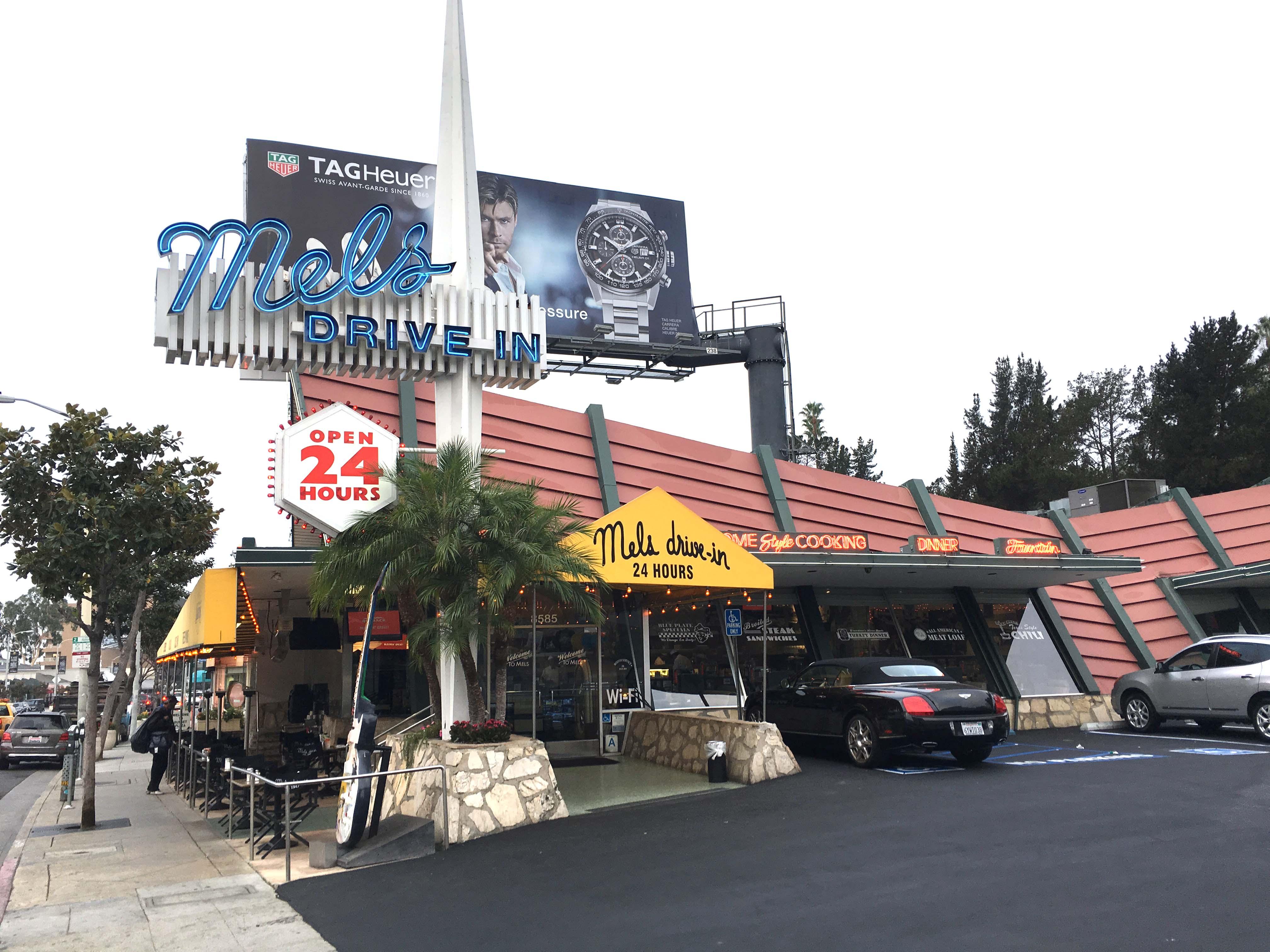 mels-diner-outside