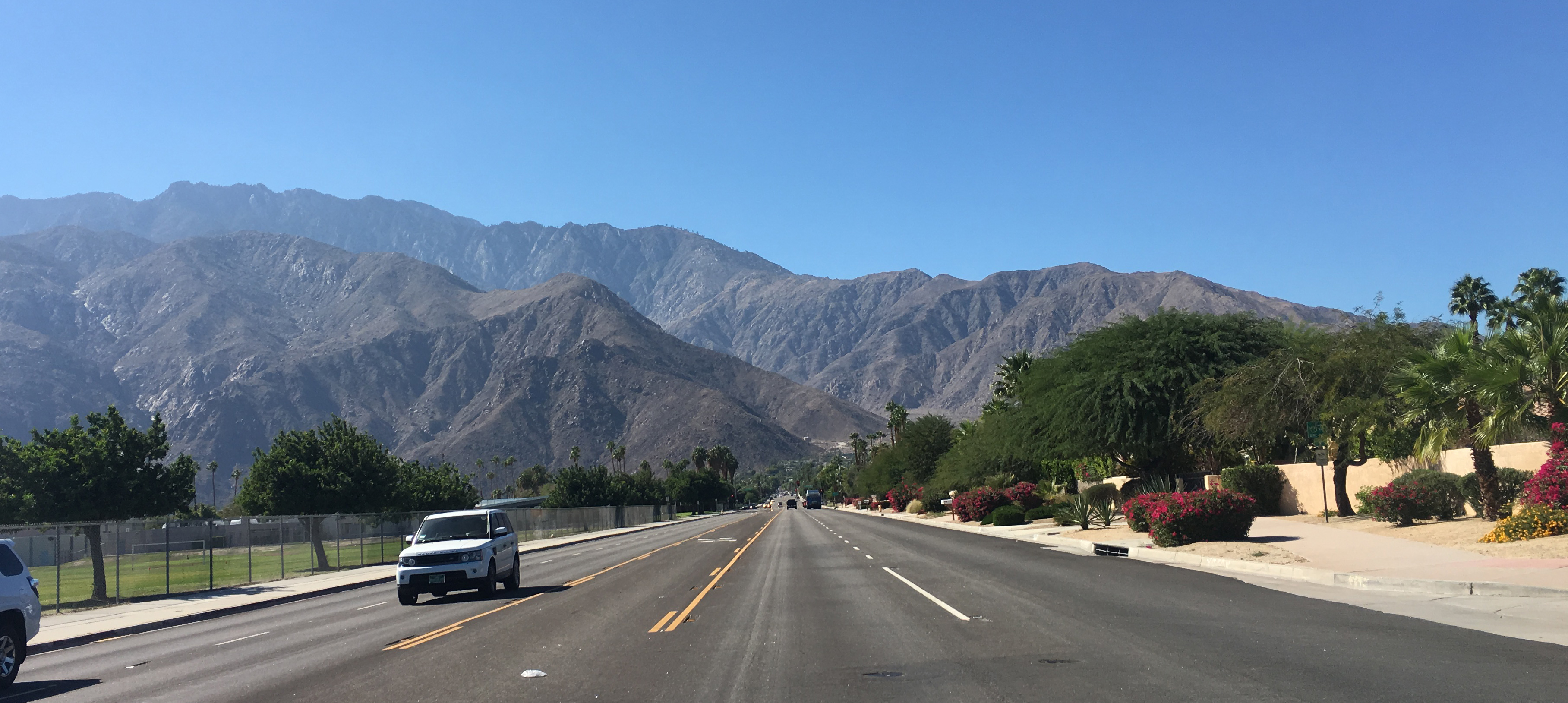 palm-springs-mountains-looking-west