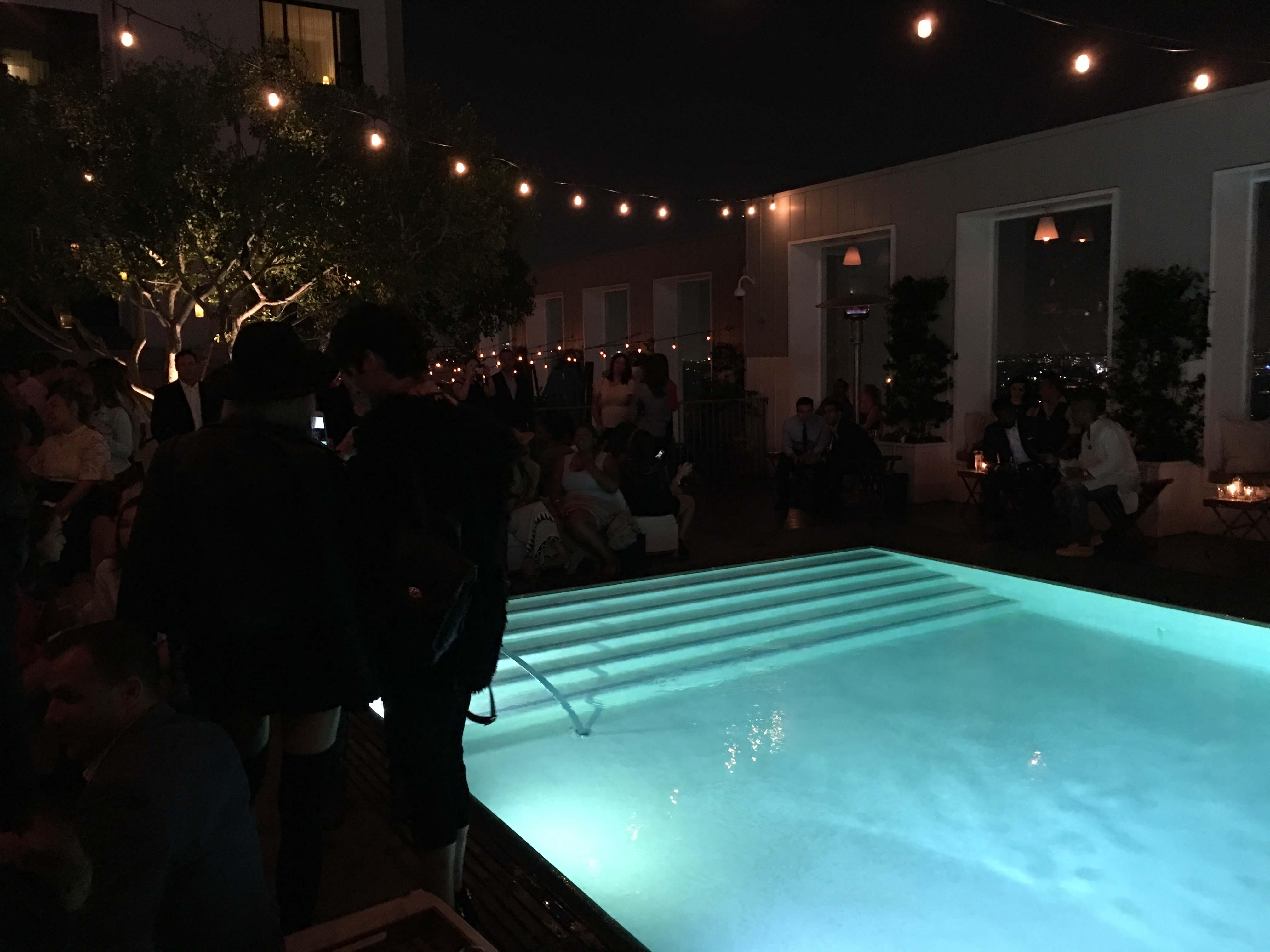 skybar-pool-2016