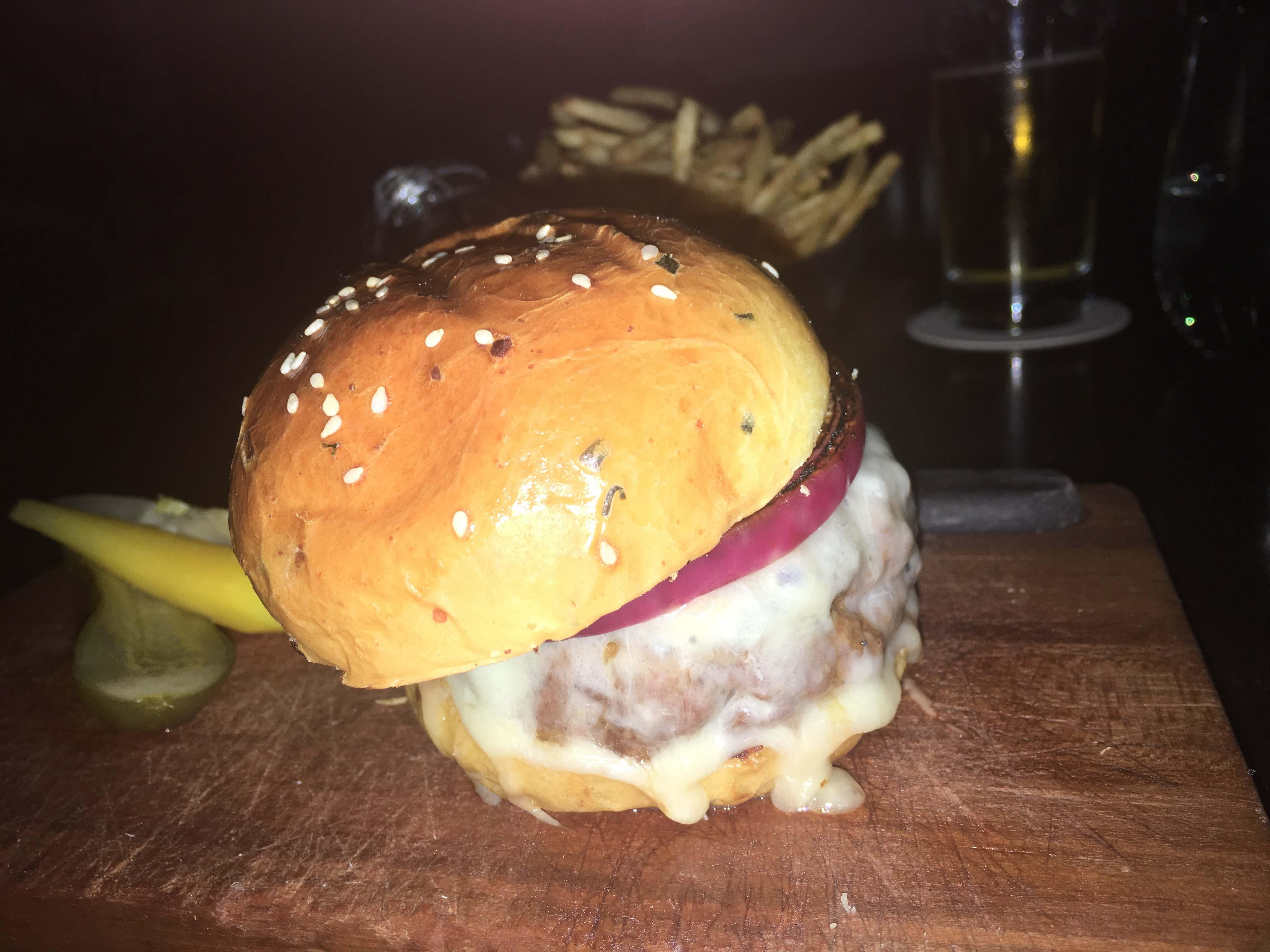 nomad-cheeseburger
