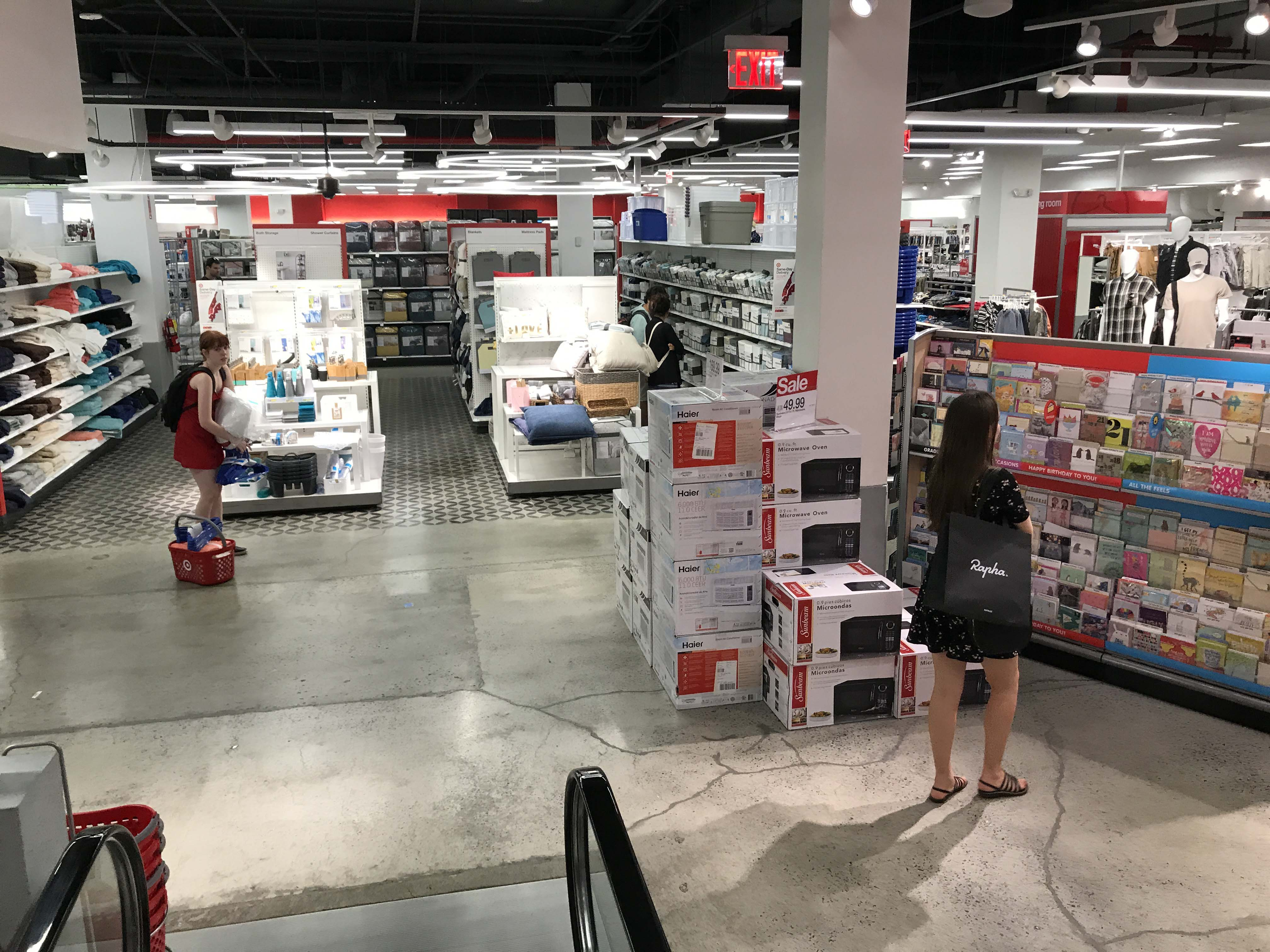 The New Target Store In Tribeca Is Busy Batterypark Tv